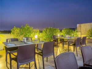 Hotels with complimentory Breakfast in Vadodara